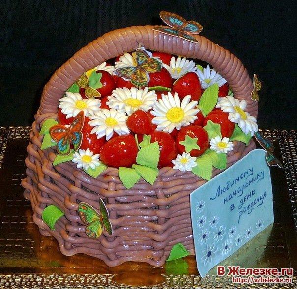 Торт из мастики в виде корзины с цветами